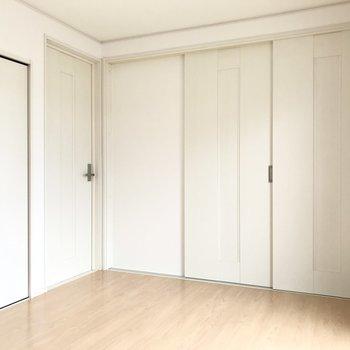 扉を閉めればしっかり個室感!