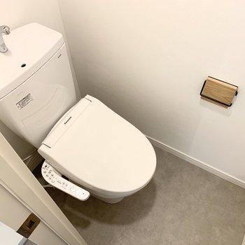 イメージ】トイレまわりは防水シートで掃除も簡単に