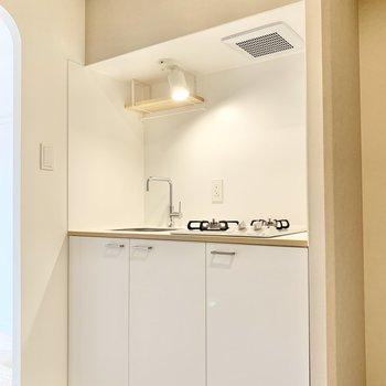 スッキリとしたデザインのキッチン◎