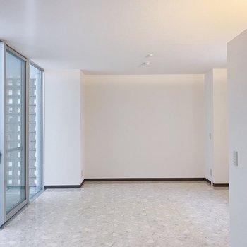 くるり。一面、白の空間にうっとり。