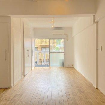 家具の配置もしやすそうです。 ※写真は2階の別部屋のものです