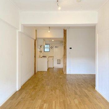 この抜ける開放感がたまらない。 ※写真は2階の別部屋のものです