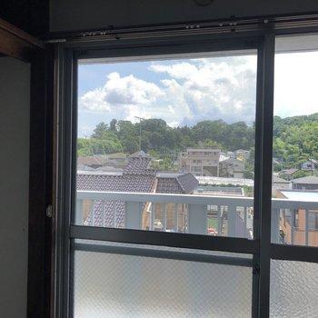 5階なので眺望は開けています!※写真は工事中のものです