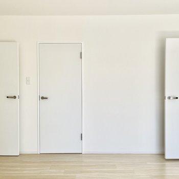 ドアのナニカ