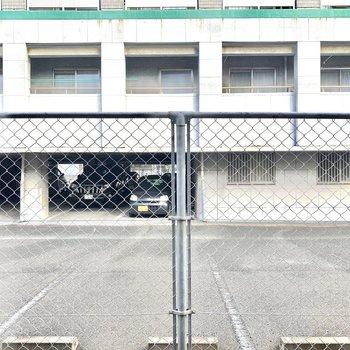 駐車場ビューです。