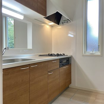 【LDK】キッチン自体の収納力もなかなか。
