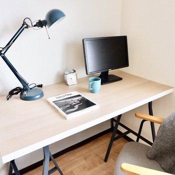 【洋室】お仕事用のお部屋があるととっても集中できるかも。