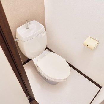 お手洗いも個室です。
