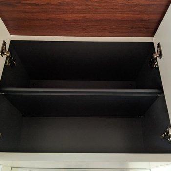 シューズボックスは上下にあります。上は2段あります。