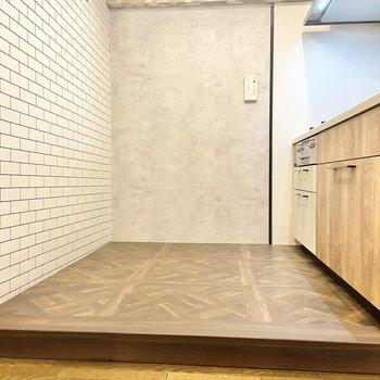 【LDK】キッチンスペースも広いです。