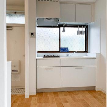 【イメージ】キッチンにも窓があり開放的!