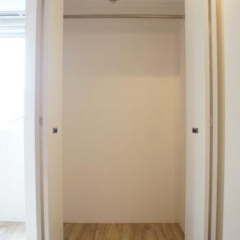クローゼットはこちら。※写真と文章は2階の同間取り別屋のものです