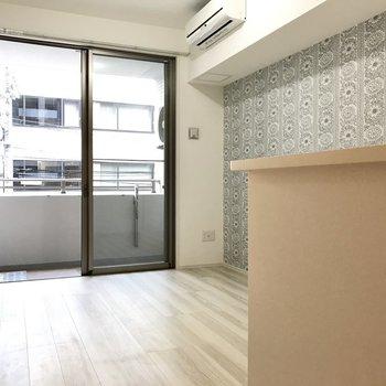 シンプルな空間に、ほんのり遊び心を(※写真は2階の同間取り別部屋のものです)