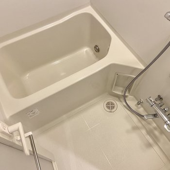 浴室乾燥、オートバス・追い炊き機能つきです。