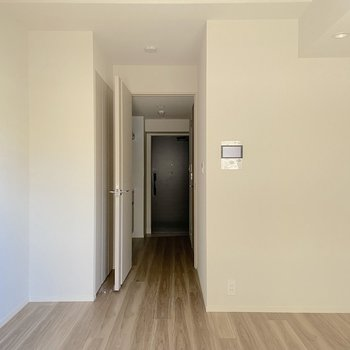 居室は少しコンパクトなサイズ感。