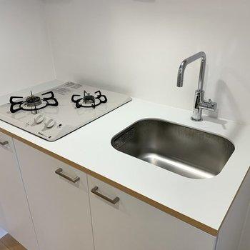 【イメージ】キッチンは2口コンロ!同時調理も簡単に。