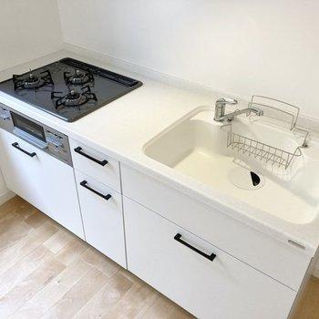 【イメージ】シンクも広く、洗いやすそうなキッチンに。
