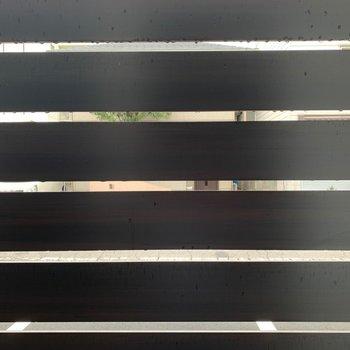 眺望は、しっかりとカバーされています◎(※写真は1階の反転間取り別部屋のものです)