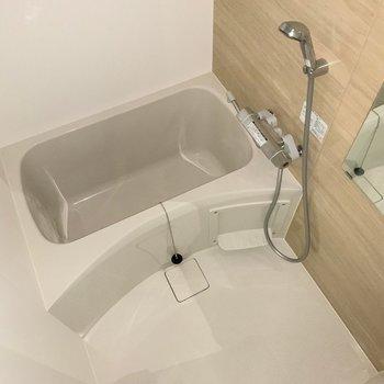 浴室もやっぱり綺麗。(※写真は1階の反転間取り別部屋のものです)
