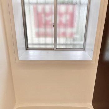 【1階】ちなみに窓は出窓。