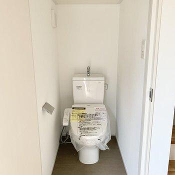個室トイレは1階にあります。