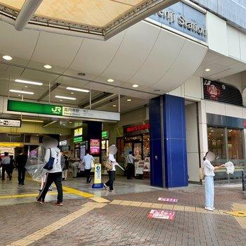 最寄りの高円寺駅です。