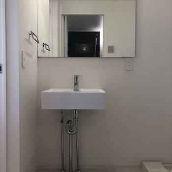 洗面台に対しての鏡の割合!※写真は2階の同間取り別部屋のものです