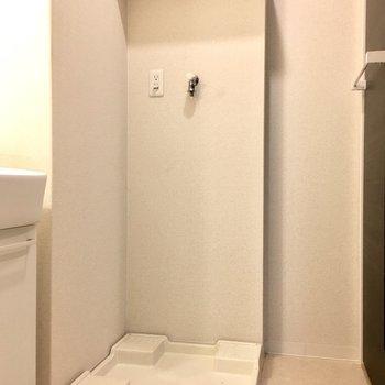 洗剤は上のちょっとした棚に。(※写真は3階の同間取り別部屋のものです)
