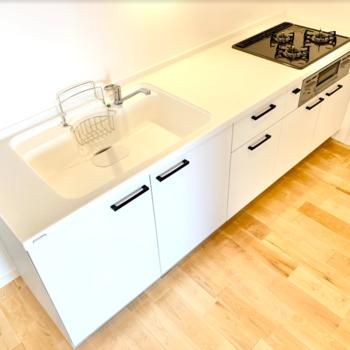 【イメージ】キッチンは調理スペースもゆったりと確保。