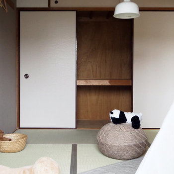 【リビング隣の和室】収納は押し入れタイプ。おもちゃもすっきり片付けられそうです。