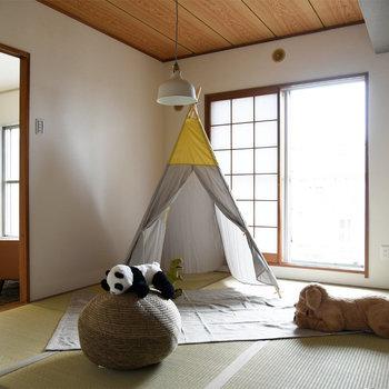 【リビング隣の和室】広さは約6帖とのびのびと過ごせます。