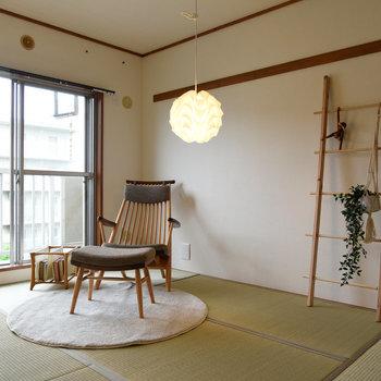 【玄関隣の和室】井草の香りが落ち着きますね〜。