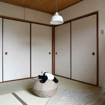 【リビング隣の和室】引き戸を閉めてみました。