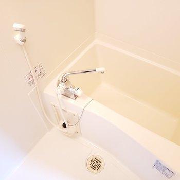 サーモ水栓で温度調節も簡単!(※写真は7階の同間取り別部屋のものです)
