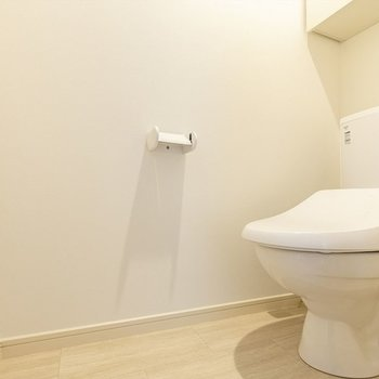 トイレも清潔感があります。温水洗浄便座付き◎
