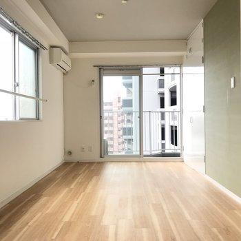 縦長なので家具の配置でうまくゾーニングしたい!(※写真は6階の同間取り別部屋のものです)