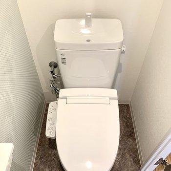 トイレも新品のウォシュレットが◎