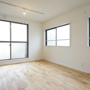 角部屋で側面にも窓があるので明るさしっかり確保できますよ!(※画像はイメージです)