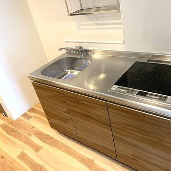 掃除しやすそうなキッチン!スペースも広い!