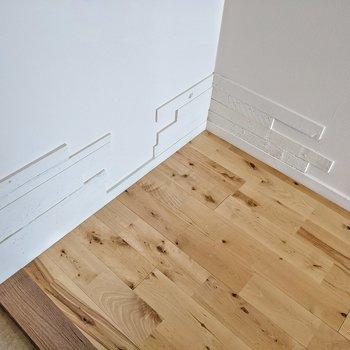 足元を見るとまた組み合わされた木材が!こだわりを感じます。