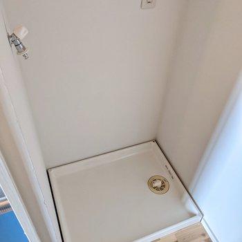 コンロ側には洗濯機置場もあります。家事を一気に済ませられますね!