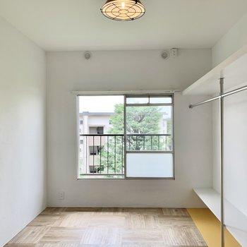 そしてもう一つ、シンプルな洋室があるんです。