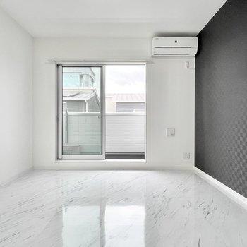白ベースの空間ということもあり明るく過ごせそう。(※写真は3階の同間取り別部屋のものです)