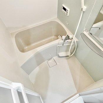 お風呂には浴室乾燥機付き◎(※写真は3階の同間取り別部屋のものです)