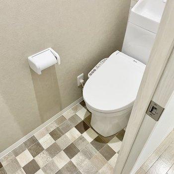 トイレはまた違った柄が登場!