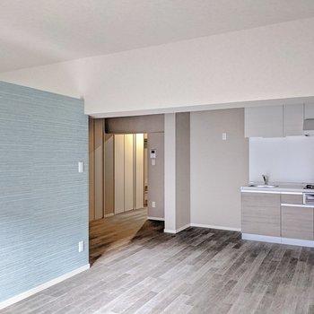 キッチンが壁付けなので家具のレイアウトも考えやすいです。