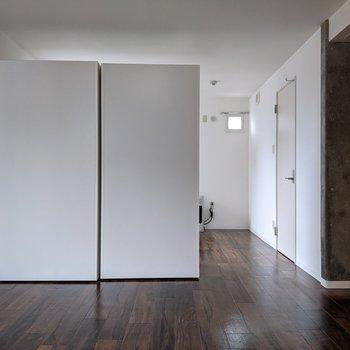 【LDK】クローゼットの配置で、お部屋の広さを調整できそうです。