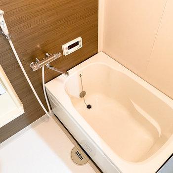 お風呂好きに嬉しい追い焚き機能付きですよ。