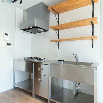 3口コンロのキッチンで料理も捗ります。