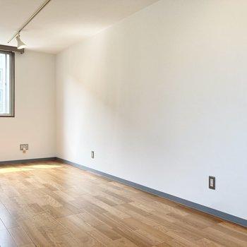 コンセントの数が多いので、家具の配置に頭を悩ますことはなさそうです